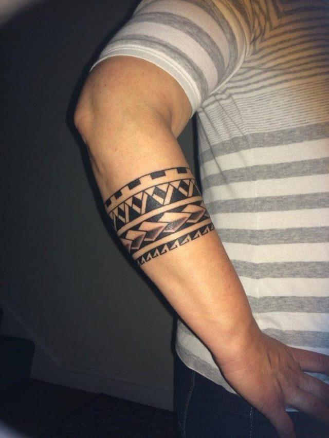 11 Armband Tattoo