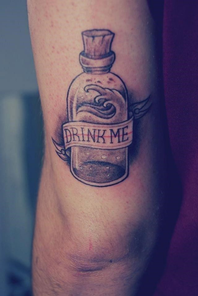 2b1d7d1f19f3f1f878d1aac0c6e8de6c  alice tattoo thigh tattoos