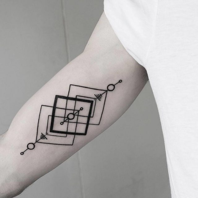 30 Cool Geometric Tattoos by Malvina Maria 10