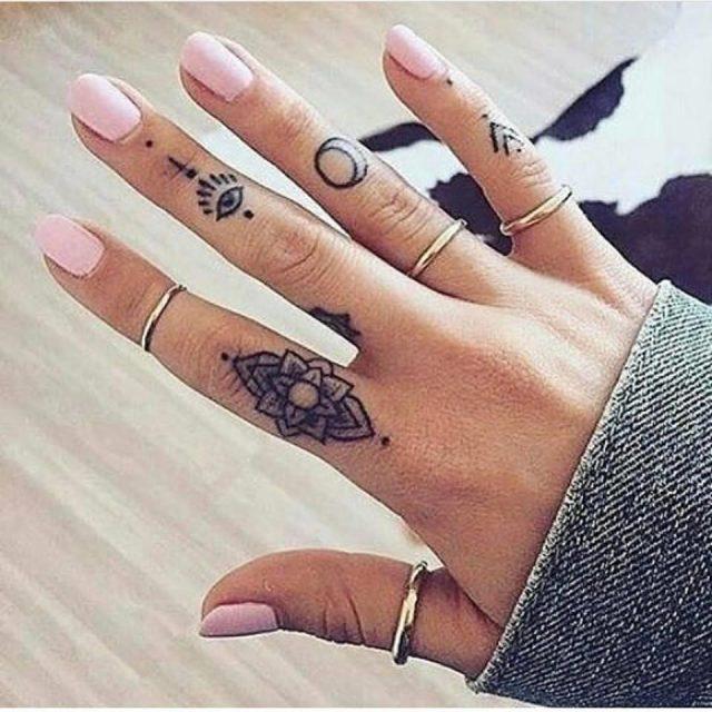 Amazing Finger Tattoo