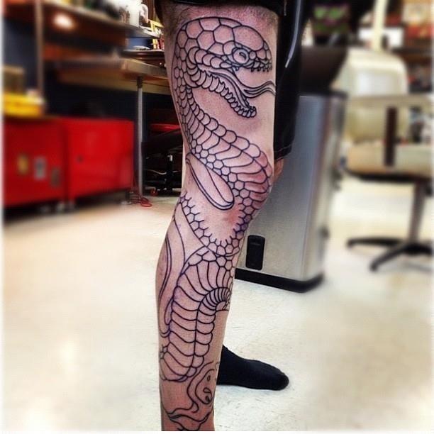 Black Outline Snake Tattoo On Right Full Leg