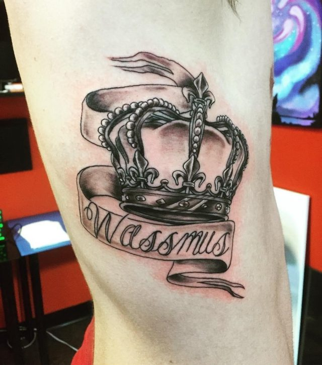 Crown Tattoos  9