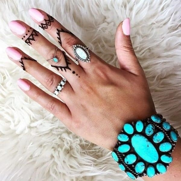 Cute Finger Tattoos Designs 15