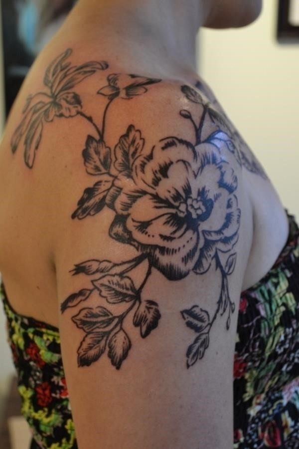 Flower Tattoo Designs for Women 261