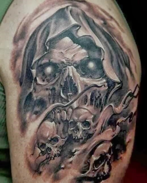 Scary Vampire Skull Tattoo For Shoulder 1