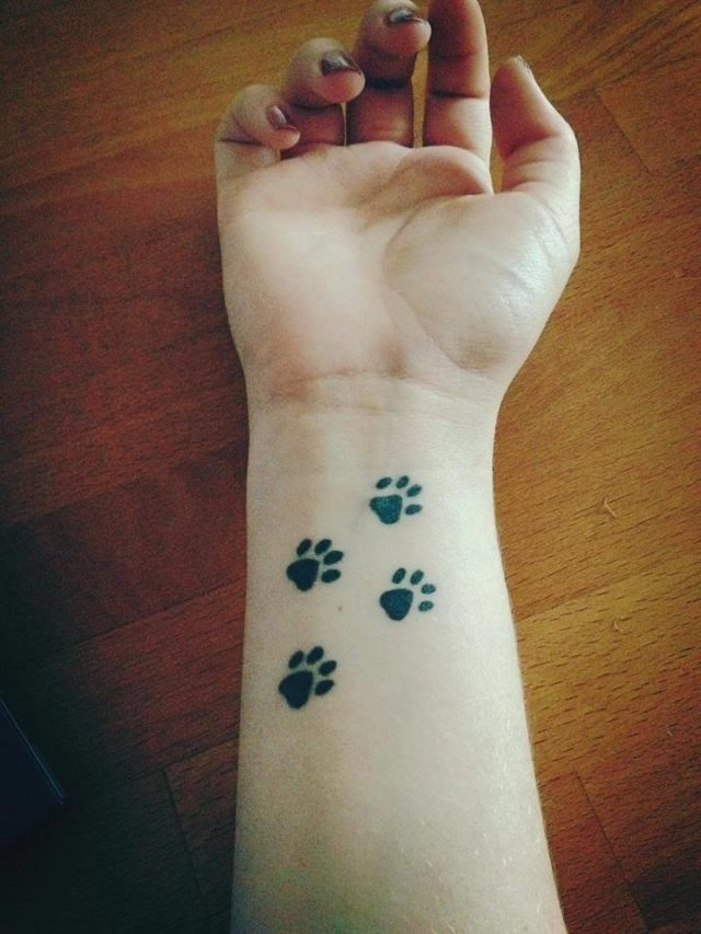 Tattoo Cute Paws on Wrist1