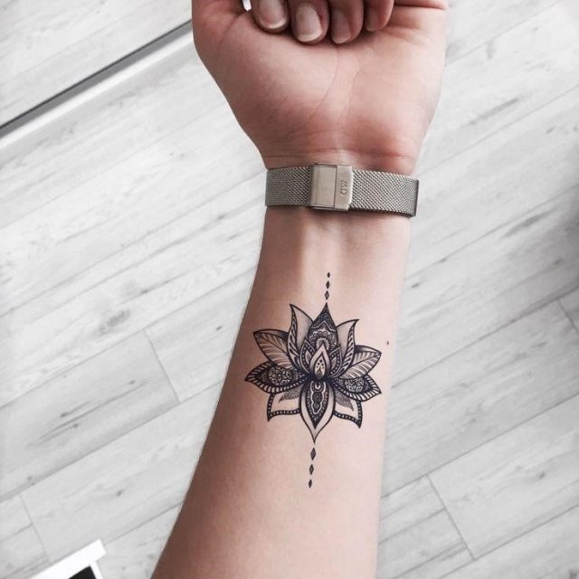 Tattoo Trends 37 Cute and Beautiful Small Tattoo Ideas for Women