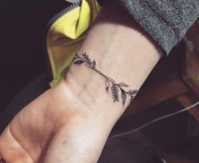 Ca7facae35ddd04b04b7e44dc3ca4537  wrist bracelet tattoo piercing tattoo