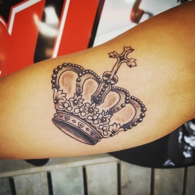 Crown tattoo 27