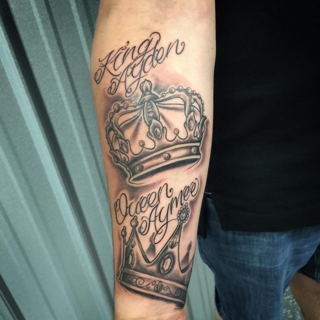 Crown tattoo 36