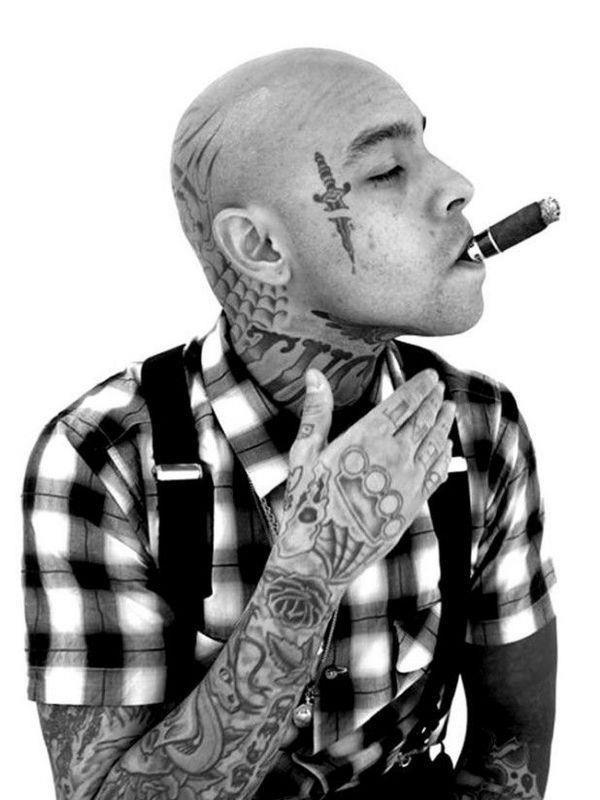 Face tattoo 010