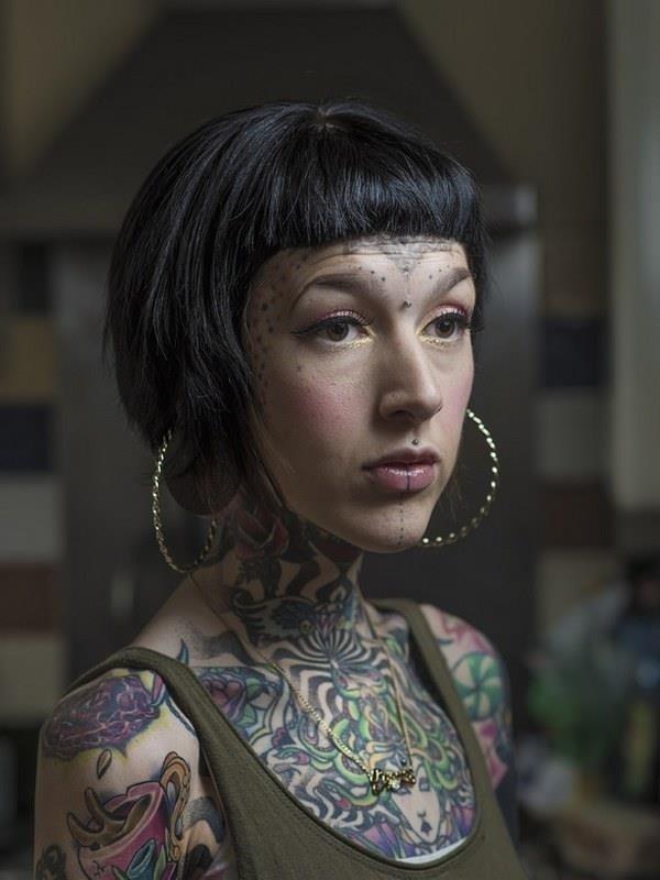 Face tattoo 023