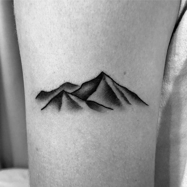 Guys cool minimalist mountain tattoo ideas