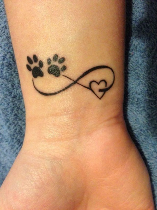 Love themed tattoo valentine heart021