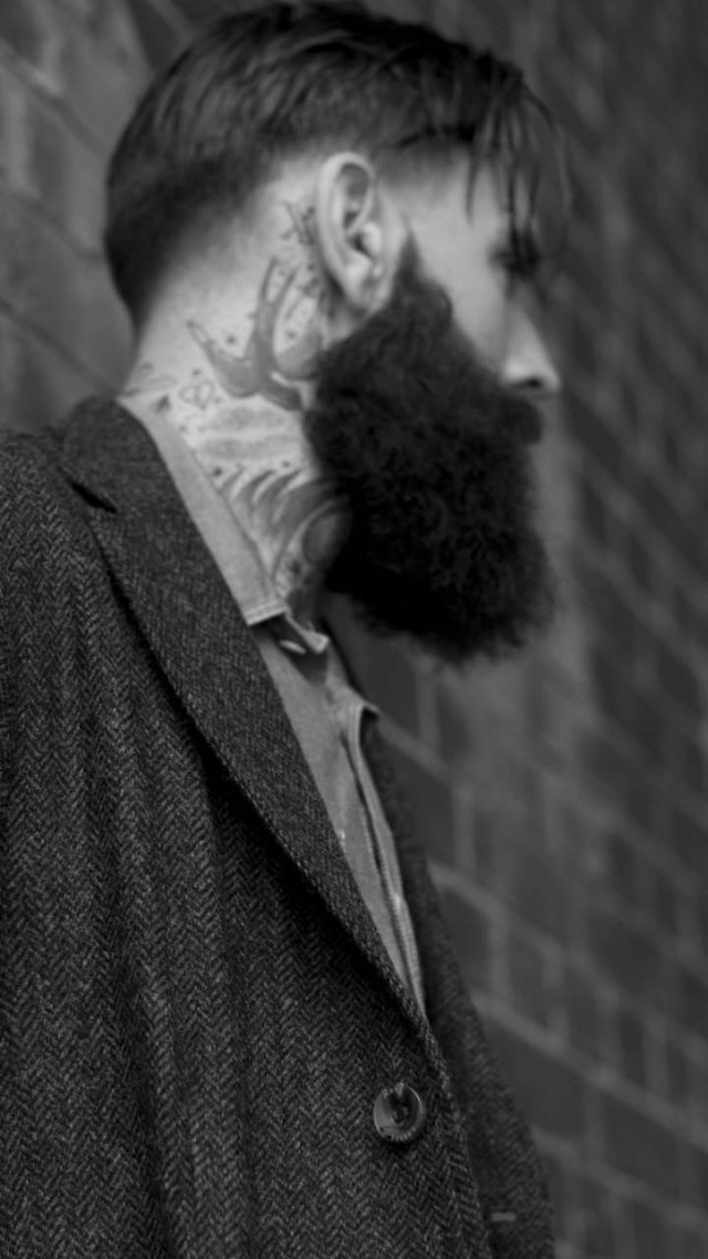 Ricki hall 720×1280 model actor old school tattoo swallow beard man 485