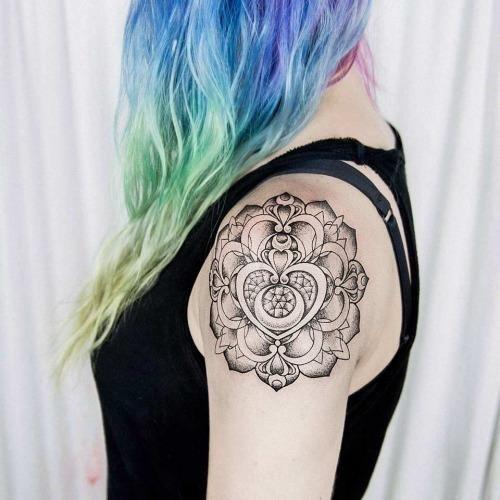 Sailor uls metzger at puro tattoo in italy