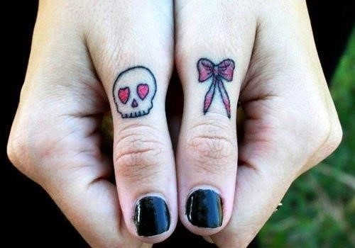 Skull and bow