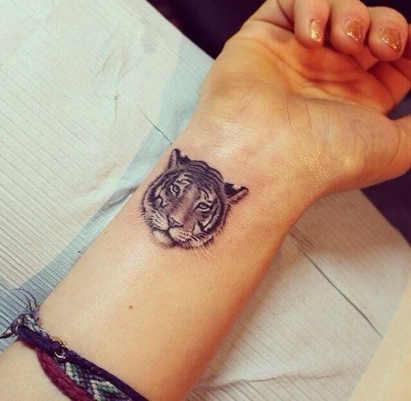 Small tattoo ideas 29